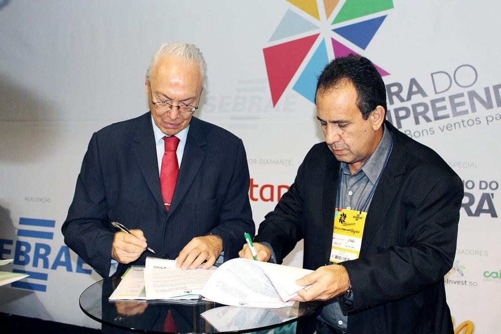 Diretor Presidente da BioTec-Amazônia Seixas Lourenço e o titular da Setur Ciro Góes assinam Termo de Cooperação Técnica